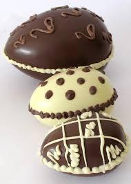 Porque se regalan huevos de pascua los domingos? Chocolate Sweets, Chocolate Heaven, Chocolate Shop, Easter Chocolate, Chocolate Blanco, Chocolates, Best Food Ever, Easter Cookies, Yummy Treats