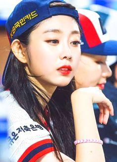 Beauty overboard ♡JISOO♡ Lovelyz Korean Girl, Asian Girl, Seo Jisoo, Ji Soo, Loving U, Sweet Girls, Korean Actors, Kpop Girls, Ulzzang