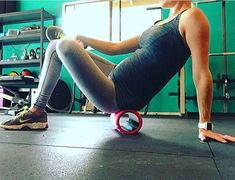 Using a foam roller to stretch out can help with tight hips, leg cramps, lower back pain and sciatic pain. Roll forward and back for about 30 seconds until you find a tender spot and then hold on that spot for another 30 seconds. Then switch sides! (Photo credit: @fitness.paige)