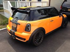 2011 CUSTOM MINI COOPER...awesome Hawkeye colors.