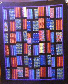 Lynette Savage's quilt made from Guatemalan fabrics. La colcha es hermoso!