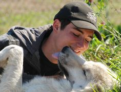 This unique Quebec experience will help you understand and livea very privileged moment with our wolves.You will slowly establish a very special and confident link with our grey wolf, Jacob, and our 2 female Artic wolves, Luna and Nalu. Understanding and discovering the lifestyle of the wolves, why not offer a loving caress to these legendary animals... an absolute unforgettable vacation moment: a special encounter with the wolves!