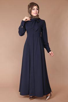 Sırtı Fiyonklu Pardesü Ferace Laci Ürün kodu: 41565 --> 129.90 TL Shrug For Dresses, The Dress, Abaya Fashion, Fashion Dresses, Estilo Abaya, Hijab Evening Dress, Moslem Fashion, Stylish Hijab, Pink Dress Casual