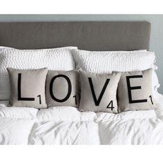 Happy Valentine's day! ❤️ Joyeuse saint Valentin ! #valentinesday #love #homedecor #cushion #pillow #bedroom #saintvalentin #interior #bed #HappyValentines #spreadthelove #HyggeNight #cny