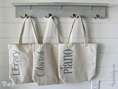 Personalized tote bags made with Cricut Explore and iron-on vinyl. 4men1lady.com