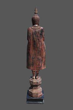 Besondere Buddha Statue aus Teak Holz, stehende Buddha Skulptur aus Burma