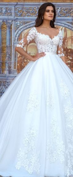 Attractive Tulle & Organza Bateau Neckline Ball Gown Wedding Dresses With Beaded 3D Flowers