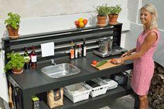 23 Clever DIY Christmas Decoration Ideas By Crafty Panda Outdoor Sinks, Diy Outdoor Kitchen, Diy Patio, Backyard Bar, Large Backyard, Diy Kitchen Storage, Kitchen Pantry, Pantry Inspiration, Garden Deco