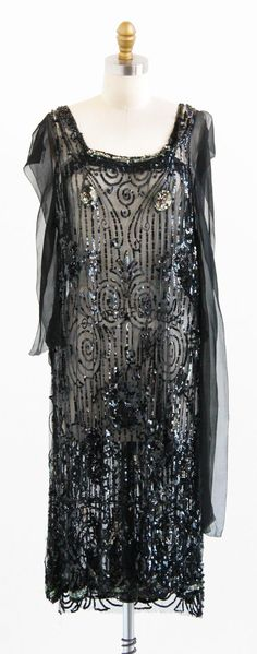 vintage 1920s sequin tabbard | flapper dress | New Year's Eve dresses | www.rococovintage.com