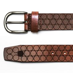 Handcrafted & Made in Spain Belts The Nublo belt by Blue Hole, is made in Spain from vegetable tanned leather in a chocolate tone and laser engraved details in the form of circumference. The expression of simplicity and versatility. Blue Hole, Vegetable Tanned Leather, Laser Engraving, Belts, Highlights, Spain, Brand New, Chocolate, How To Make