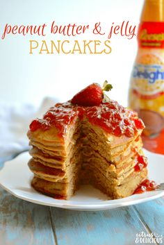 Celebrate a childhood classic by dressing up your PB&J for breakfast! Peanut Butter and Jelly Pancakes are a delicious and fun twist on the popular sandwich. Waffle Recipes, Donut Recipes, Brunch Recipes, Easy Dinner Recipes, Breakfast Recipes, Dessert Recipes, Breakfast Ideas, Pizza Recipes, Oven Recipes