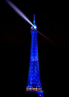 France, Paris - Tour Eiffel / Eiffel Tower  by Domw on Flickr.