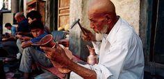 カシュガルの職人 Kashgar craftsman