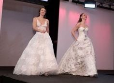 Hochzeitsmodetrends auf dem TRAU DICH Catwalk  #Hochzeitsmode #Brautmode #Modenschau #Hochzeitsmesse TRAU DICH Wien Trends, One Shoulder Wedding Dress, Wedding Dresses, Fashion, Grief, Fashion Show, Dress Wedding, Gowns, Bride Dresses