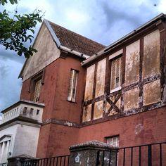 Viejo Caseron de calle Viamonte #bahiablanca #arquitectura #argentina #casa #home