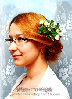 White roses hairpiece by Yew Tree Workshop