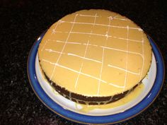 Carmel cake with caramel icing. Small disaster with the icing - tasted good though.....