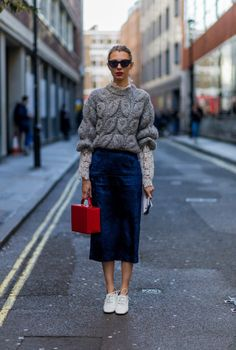velvet midi skirt-lace ups-velvet crochet lace toplayers-layers-victorian top-box bag-overesized chunky sweater-work outfit-lfw street style-psuk-