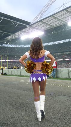 Team Captain Kristin during the first half of our International Series in London versus the Pittsburgh Steelers.