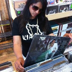 """Vinyl Records are classic like this """"Know the Face"""" shirt  Stayhungry & Wearfreely  Kiaayo! #bear"""