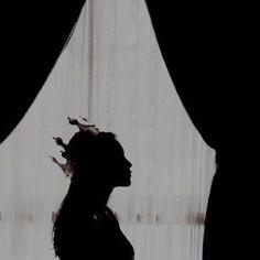 Queen Aesthetic, Princess Aesthetic, Book Aesthetic, Character Aesthetic, Aesthetic Pictures, Crown Aesthetic, Aesthetic Dark, Foto Fantasy, Dark Fantasy