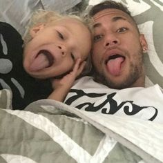 Love these types of pics Neymar Jr, Good Soccer Players, Football Players, Daddy And Son, World Cup 2014, Lionel Messi, Plein Air, Sport, Fc Barcelona