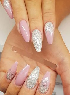 See here the beauty of best glitter nail art designs to get fantastic hand's look. This is one of the amazing ways for girls to get fashionable personality. You know almost all the girls want to wear glitter nail designs since last many years.