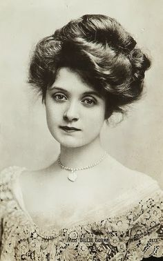 Billie Burke - c. 1910 - American actress - played Glenda the Good Witch of the North in 1939's 'The Wizard of Oz'