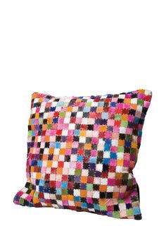 KARE Design Quadratisch buntes Kissen Square Multi Colore mit kolorierten Kuhkaros und farbigem Kuhfellmuster.