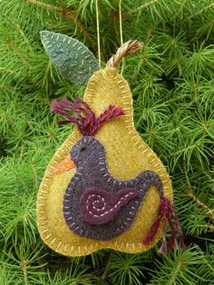 Partridge in a Pear Tree Pattern