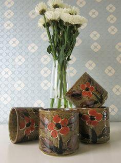 Four Vintage Ceramic Japanese Otagiri Brown Cups with Handpainted Orange Floral Design 70s door Vantoen op Etsy