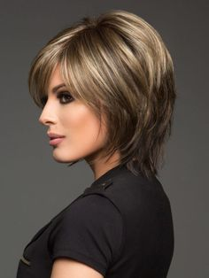 Pretty short bob hairstyle for
