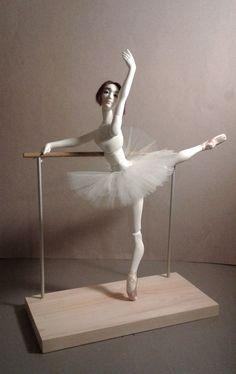 Dance Photo Shoot, Dance Photos, Dancing Dolls, Ballet Class, Doll Stands, White Image, How To Make Notes, Bjd Dolls, Ballerinas