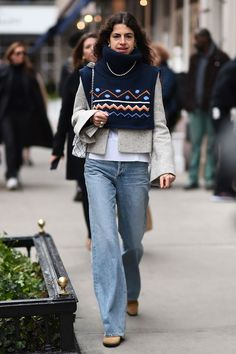 Leandra medine is seen outside the ralph lauren show during new york fashion week women's fall Swag Style, Style Casual, My Style, Men Casual, New York Fashion, Men's Fashion, Fashion Outfits, Winter Fashion, Jeans Trend