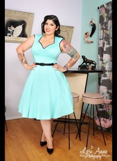 Heidi Dress in Cool Mint - Plus Size - Inspired by vintage swing dresses, but feeling totally modern, the Heidi continues to be one of our favorite styles with its angular neckline, absurdly flattering bust, and full swing skirt. The high quality stretch Big Girl Fashion, Curvy Fashion, Plus Size Fashion, Fashion Women, Pin Up Vintage, Vintage Style, Lady Like, Vestidos Vintage, Vintage Dresses