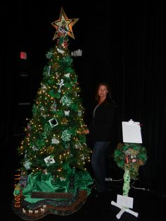 FOT's 2013 Irish Tree designed by Patta Conboy with handmade ornaments created by Artist, Jean Clark