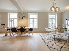 FINN – RÅLEKKERT I HOLLENDERKVARTALET - Nyoppusset og attraktiv 3/4-r eierseksjon m/ Høy standard - Fantastisk bad - Gode vindusarealer - Stukkatur/rosetter - Takhøyde over 2,90m - Hyggelig og sentral beliggenhet! Mulighet for balkong*