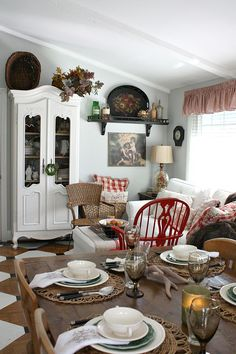 french country decor for the home rooster Country Style Living Room, Country Style Homes, French Country Style, Country Chic, French Decor, French Country Decorating, Country Kitchen Flooring, Kitchen Tile, Autumn Home