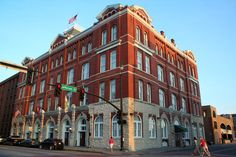 Book Hotel Indigo Savannah Historic District, Savannah on TripAdvisor: See 191 traveler reviews, 98 candid photos, and great deals for Hotel Indigo Savannah Historic District, ranked #33 of 113 hotels in Savannah and rated 4.5 of 5 at TripAdvisor.
