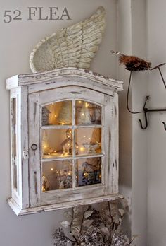 52 FLEA: Paula's Christmas Cottage I love the look with the lights, Caron Shabby Chic Cottage, Shabby Chic Homes, Cottage Style, Farmhouse Furniture, Farmhouse Decor, Shabby Chic Christmas, Victorian Christmas, Christmas Christmas, Vintage Christmas