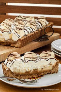 Een krokante bodem bedekt met een dikke laag dulce de leche, banaan en afgetopt met slagroom. Banoffee pie in optima forma! Maak 'm en je bent verkocht.
