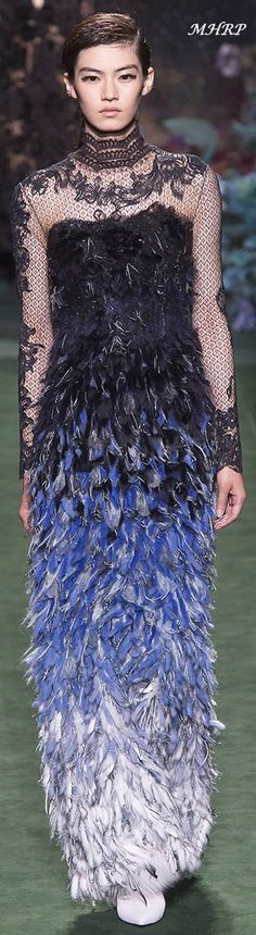 Fendi Fall 2017 Couture Fendi, Fashion Runway Show, Fall Winter 2017, Glamour, Beautiful Gowns, Stunning Dresses, Occasion Wear, Couture Collection, Formal Gowns
