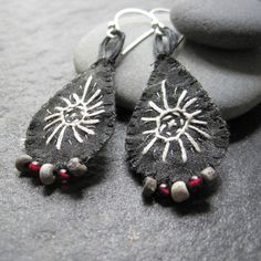 Hey, I found this really awesome Etsy listing at https://www.etsy.com/dk-en/listing/189064355/no-act-is-too-small-4