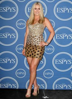 "Lindsey Vonn -- 5'10"" 160lbs!  That's hot!  ITS INSPIRATIONAL!  You can be athletic strong and SEXY as hell!"