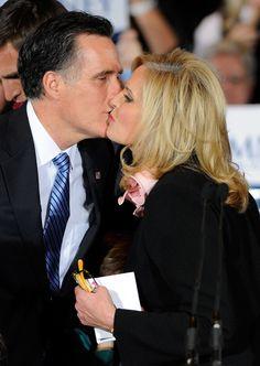 Mitt Romney Photos - GOP Candidate For President Mitt Romney Holds Nevada Caucus Night Gathering - Zimbio