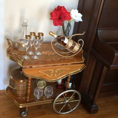 Stunning Italian Marquetry and Brass Drop Leaf Scalloped Edge Bar Cart Tea Trolley Breakfast Cart