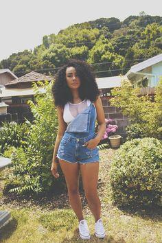 worldsbaddest:  missodessa:   First day of summer.  0___0world's baddest females here
