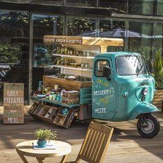 Ideas Food Truck Design Piaggio Ape For 2019 Coffee Truck, Coffee Carts, Coffee Shop, Food Trucks, Mobile Cafe, Mobile Shop, Cafe Bar, Farm Cafe, Foodtrucks Ideas