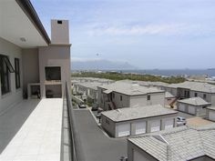 Waves Edge - Waves Edge is an upmarket holiday apartment complex, situated in Bloubergstrand overlooking Table Bay and Robben Island.   The complex comprises of four apartments, which all feature two bedrooms, two ... #weekendgetaways #bloubergstrand #southafrica