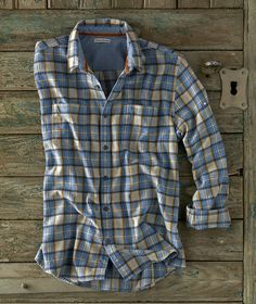 Men's Long-Sleeve Decompression Plaid Shirt - Tuck into this flannel plaid that's brushed on both si Checked Shirt Outfit, Flannel Shirt Outfit, Lined Flannel Shirt, Flannel Outfits, Mens Flannel Shirt, Flannel Style, Checked Shirts, Men's Outfits, Shirt Men